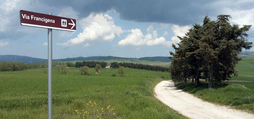 via francigena trekking tuscany